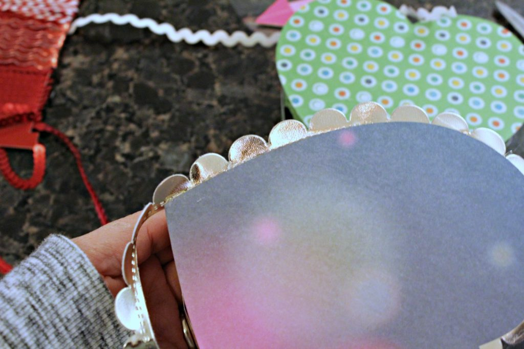 Diy Valentine S Day Heart Shaped Candy Box Knock It Off Kim
