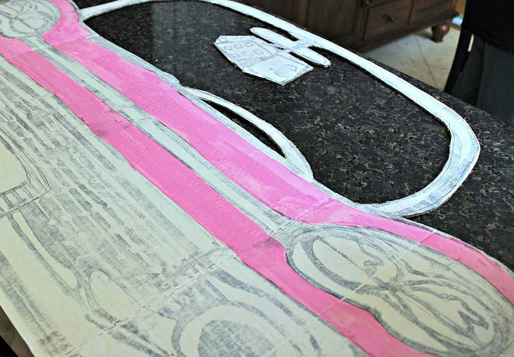 Party Decorations: How to make 50s Pink Cadillac Photo Prop - paint the pink